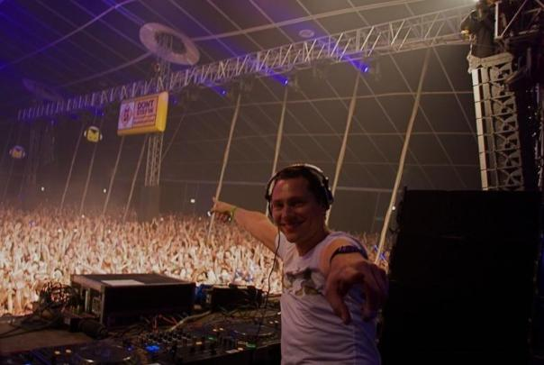 dj-tiesto-club-life-show-photo_1