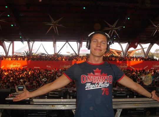 DJ Tiesto - Club Life 327