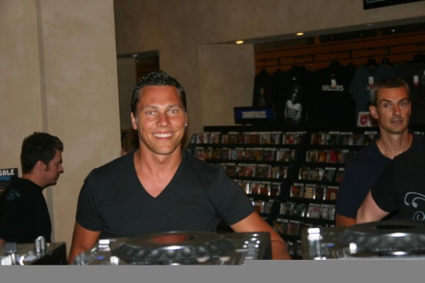 DJ Tiesto - Club Life 125 | tiestoclublife.wordpress.com