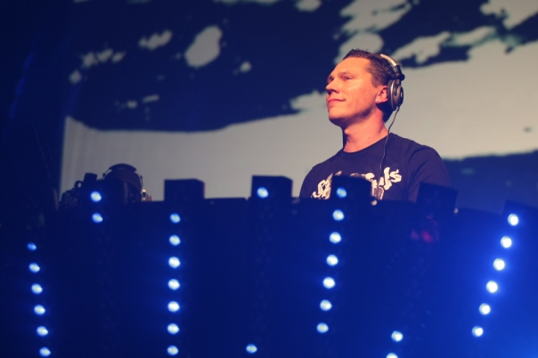 DJ Tiesto - Club Life 126 | TiestoClubLife.wordpress.com