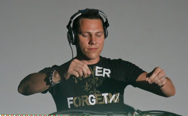 DJ Tiesto - Club Life 128 | tiestoclublife.wordpress.com