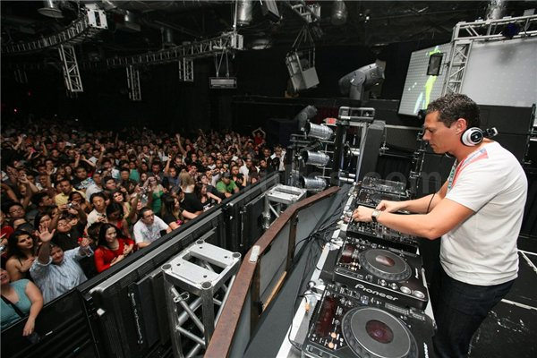 DJ_TIESTO_-_Club_Life_Show_tiestoclublisfe_wordpress_com