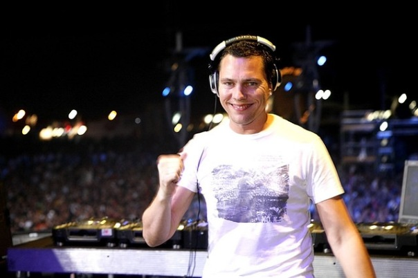 DJ Tiesto - Club Life 326