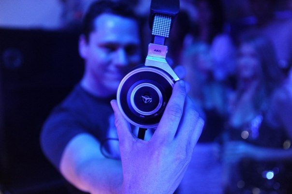 DJ Tiesto & AKG