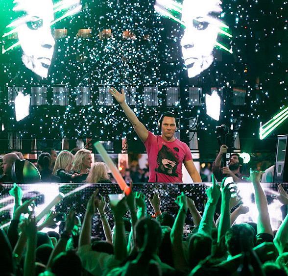 DJ Tiesto – Club Life 401