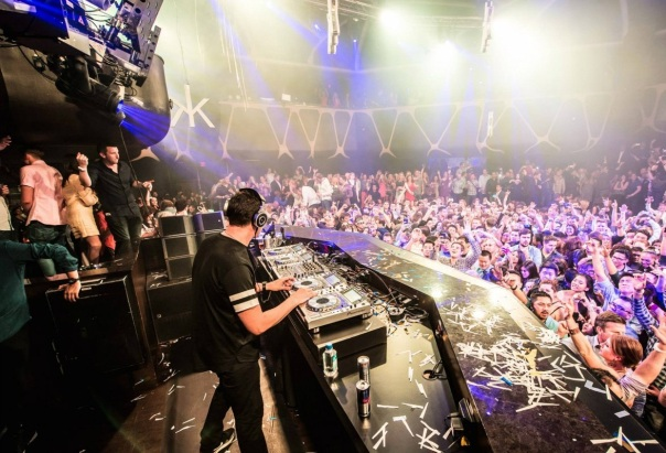 DJ Tiesto Club Life 375 Deep House Special Mundo Nerd Info