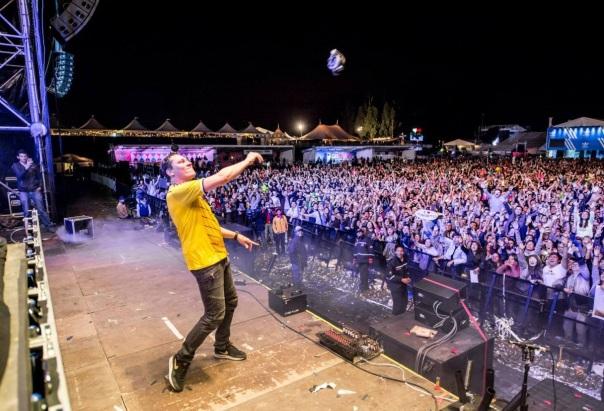 DJ Tiesto Club Life 382 - Mundo Nerd Info