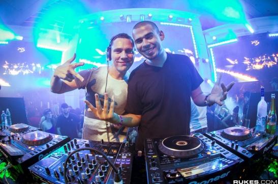 DJ Tiesto – Club Life 427 [Afrojack GuestMix] (06-06-2015) 1 hora de música!! #ClubLife427