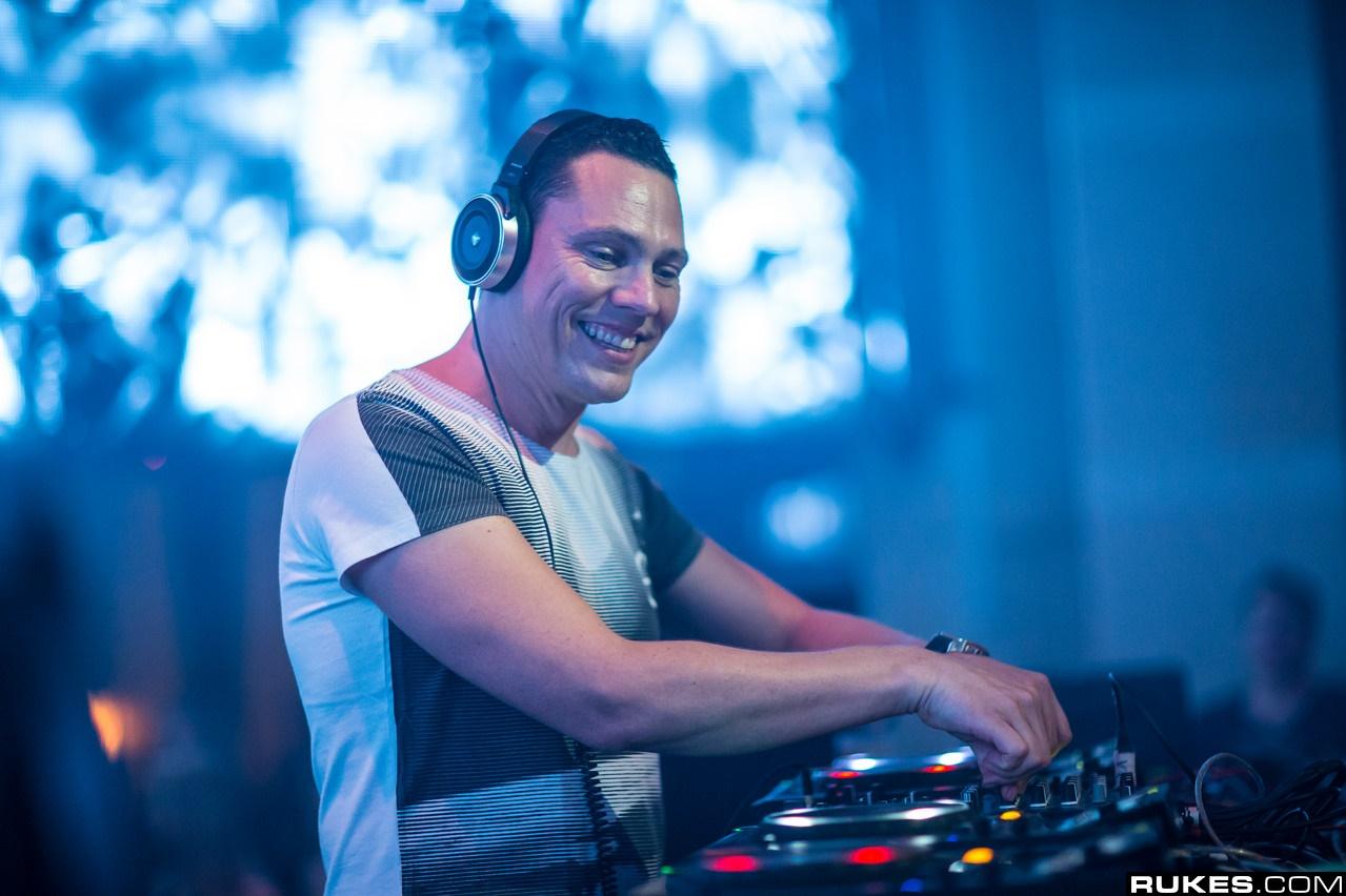 DJ Tiesto – Club Life 431 [Vicetone Guest Mix] (04-07-2015) 1 hora de música!! #ClubLife431